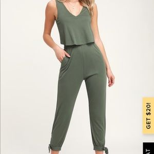 Olive green ribbed sleeveless jumpsuit!